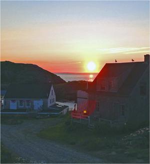 Island Sun Photo